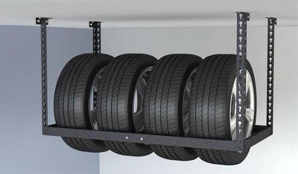 Преимущества хранения шин на балконе
